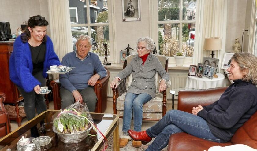 Erna werkt bij echtpaar Aad en Corrie als inwonende zorgverlener
